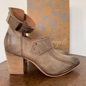 Free People Heeled Boot Size 39